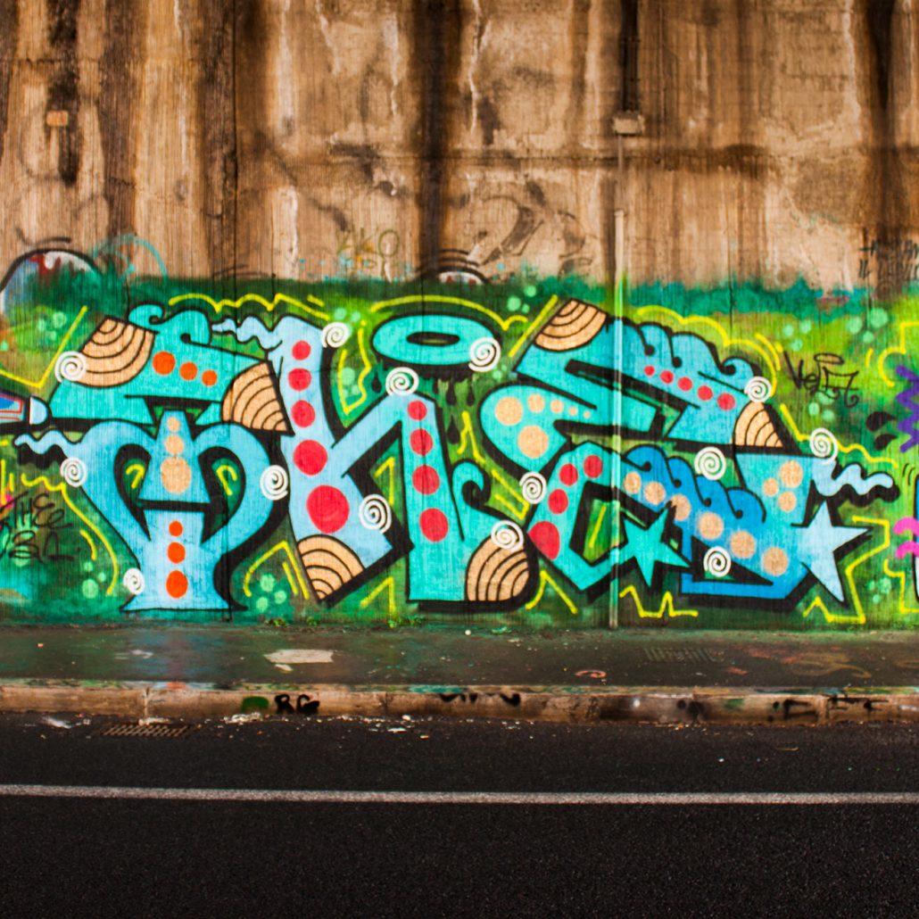 roma graffito sotto il ponte